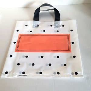 """🆕NEW 10 pc Dots Design White Shopping Bags 11"""" Height x 12.25"""" in. Width Inside"""